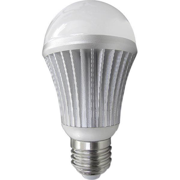 LED-lamppu E27 lämmin valkoinen 6W 590Lm 2700K G60-pyöreä
