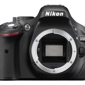 Nikon D5200 + 18-55/3