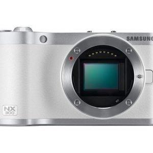 Samsung NX300 + 18-55/3