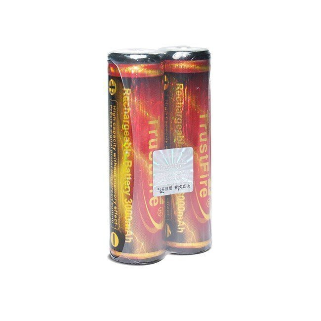 Trustfire 18650 2600 mAh Li-ion akku suojapiirillä