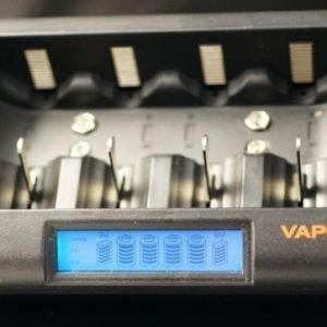 Vapex monipuolinen pikalaturi akkuparistoille verkkovirtaan ja autokäyttöön